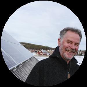 Helge Gustavsson, Brännkälen har låtit sätta upp solpaneler på taket